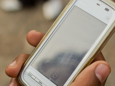FBI backtracks on cell phone trackers