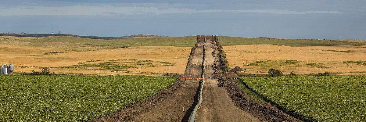 "DAPL report Army Corps of Engineers claimed ""too dangerous"" to release to public has been up on its website for a year"