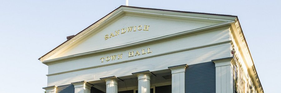 Local commissioner says town of Sandwich violated open meeting laws